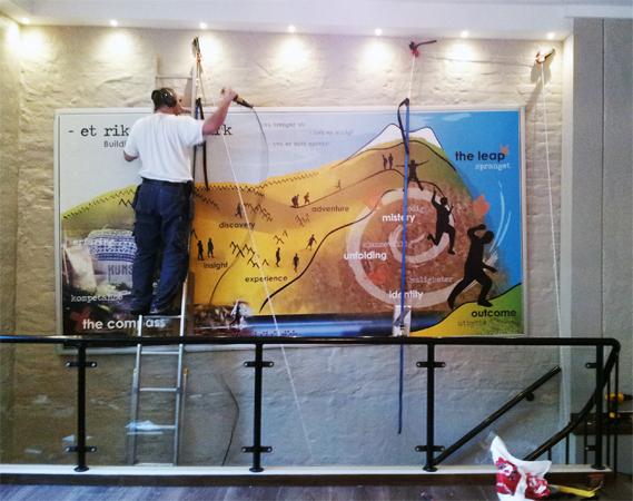 - et rikere telemark ~ opphengning av puslepill / hanging up the puzzles - 2x 6 meter ~ stockmann cafe; Skien